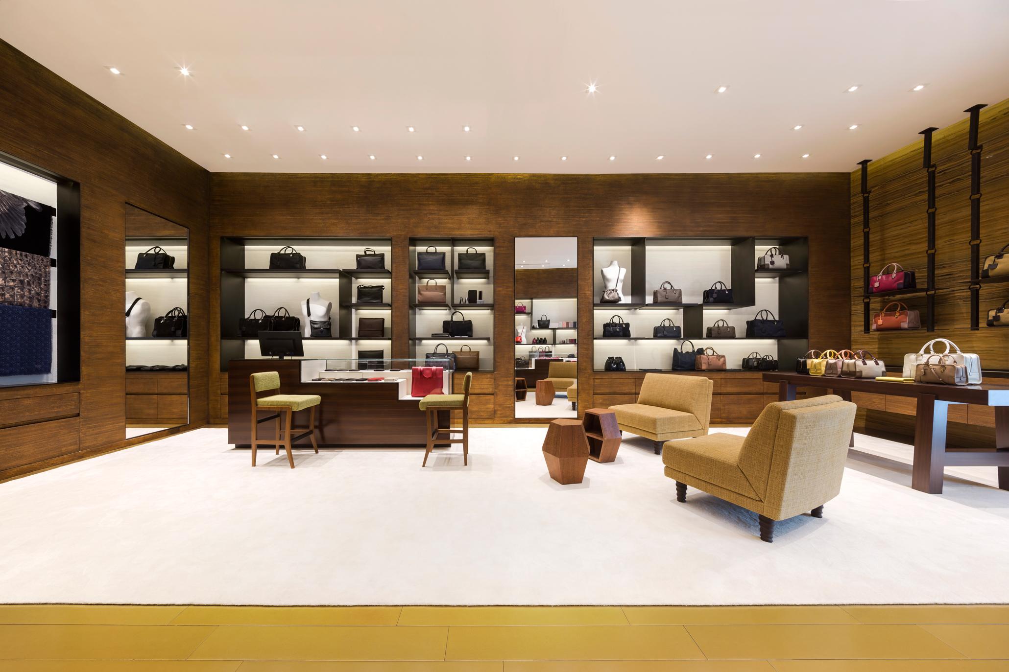 pp-luxe-loewe-store-08