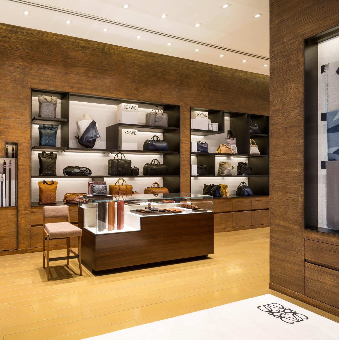 pp-luxe-loewe-store-11