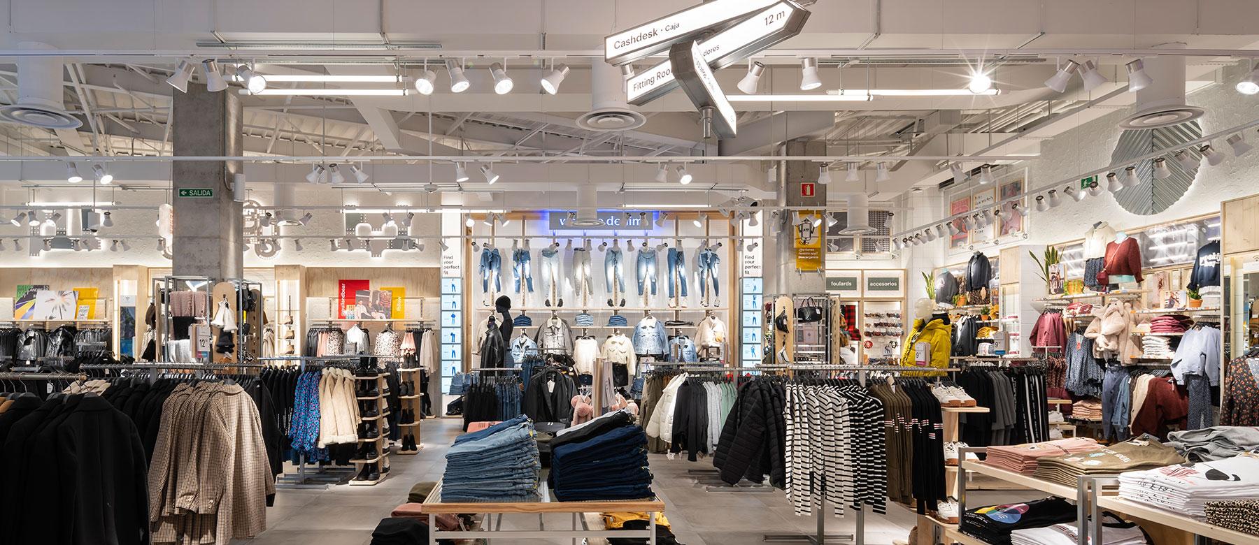 Iluminación retail Pull and Bear Islazul 03