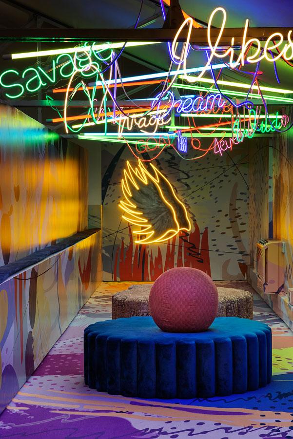 Vivid Lounge Ikono-02